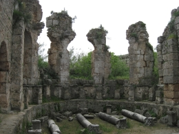 A part of an ancient bath in Perge, Behnam Akhavan - June 2010