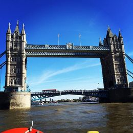 This is my view of the Tower Bridge from the free River Thames cruise that came with the Hop On Hop Off tour. , Mon Bon - October 2015