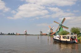 the windmill in Volendam , Radiumzhao - May 2011