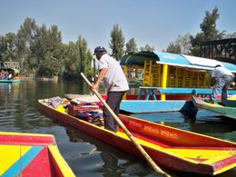Xochimilco (a vendor on a canoe) , hilda1295 - December 2011