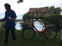 Photo of Paris Giverny and Monet's Garden Bike Tour Kit our guilde