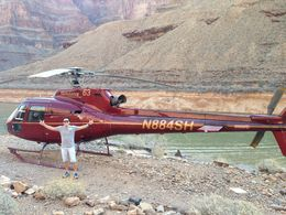 Photo of Las Vegas Grand Canyon All American Helicopter Tour No fundo do Canion