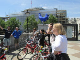 Photo of London London Royal Parks Bike Tour including Hyde Park Stopping at Trafalgar Square