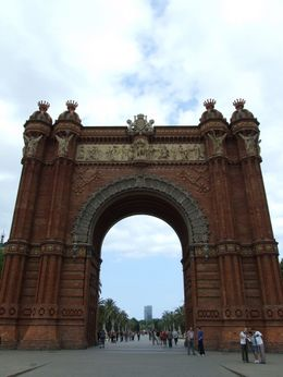 Photo of Barcelona Barcelona Card with Guidebook Arc de Triomf