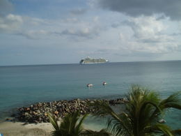 Photo of   cruise ship leaving St. Maarten