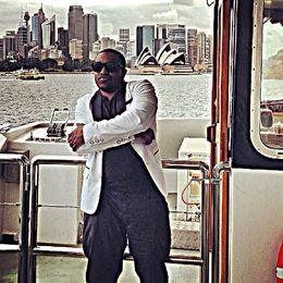 posing on the harbor..likeaboss , Deshawn B - March 2015