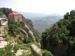 Photo of Barcelona Small-Group Tour: Traditional Food and Wine Day Trip from Barcelona Montserrat