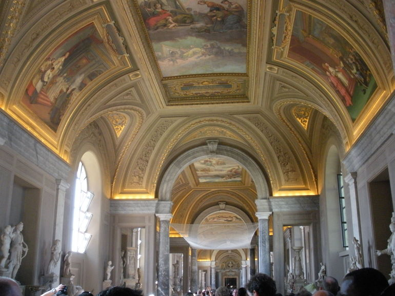 Art at the Vatican: beautiful frescoes - Rome
