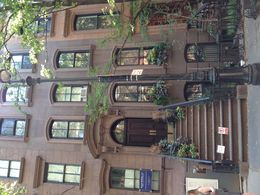 Fun to get up close to where so many scenes were shot. Could imagine living there! , Sherri S - August 2015