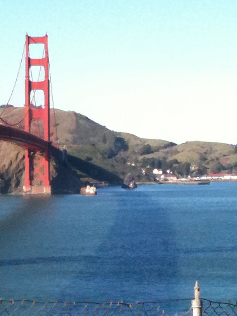 Golden Gate Brige on a clear day. - San Francisco