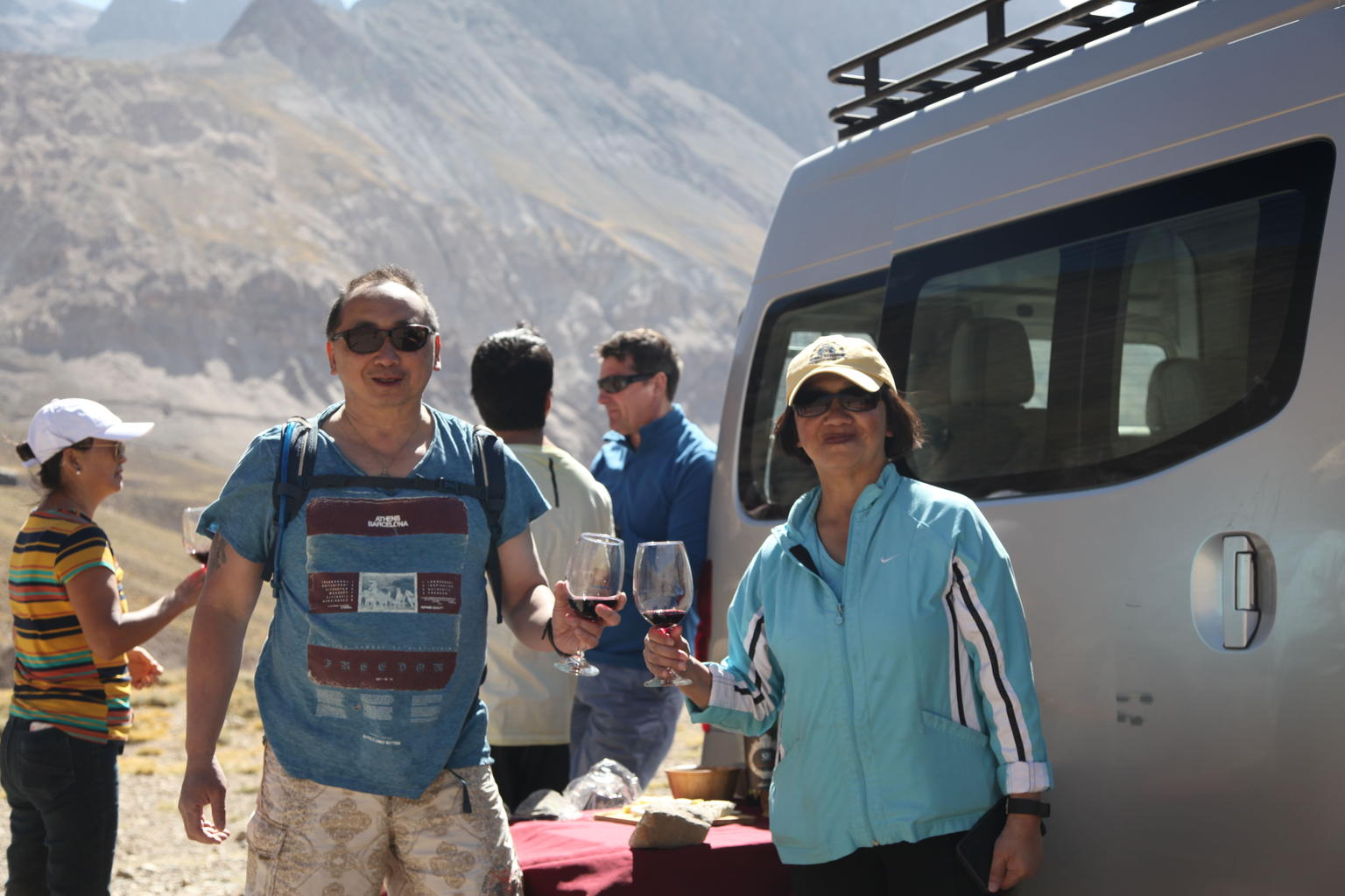 Cajon Del Maipo Trekking Tour with Baños Colina Hot Springs from Santiago
