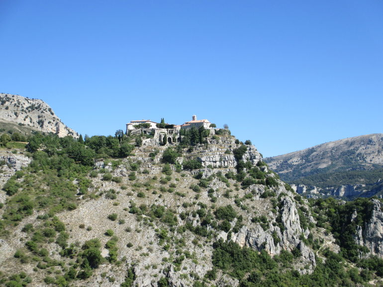 Gourdon from afar. - Cannes