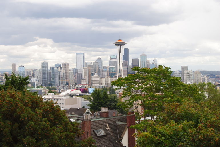 SEATTLE ON A CLOUDY DAY - Seattle