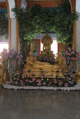 Photo of Phuket Phuket Introduction City Sightseeing Tour Inside Temple