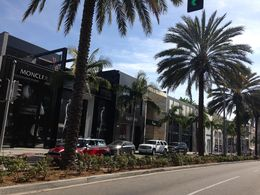 Photo of Los Angeles Los Angeles Hop-on Hop-off Double Decker Bus Tour Passeio pelo Rodeo Drive
