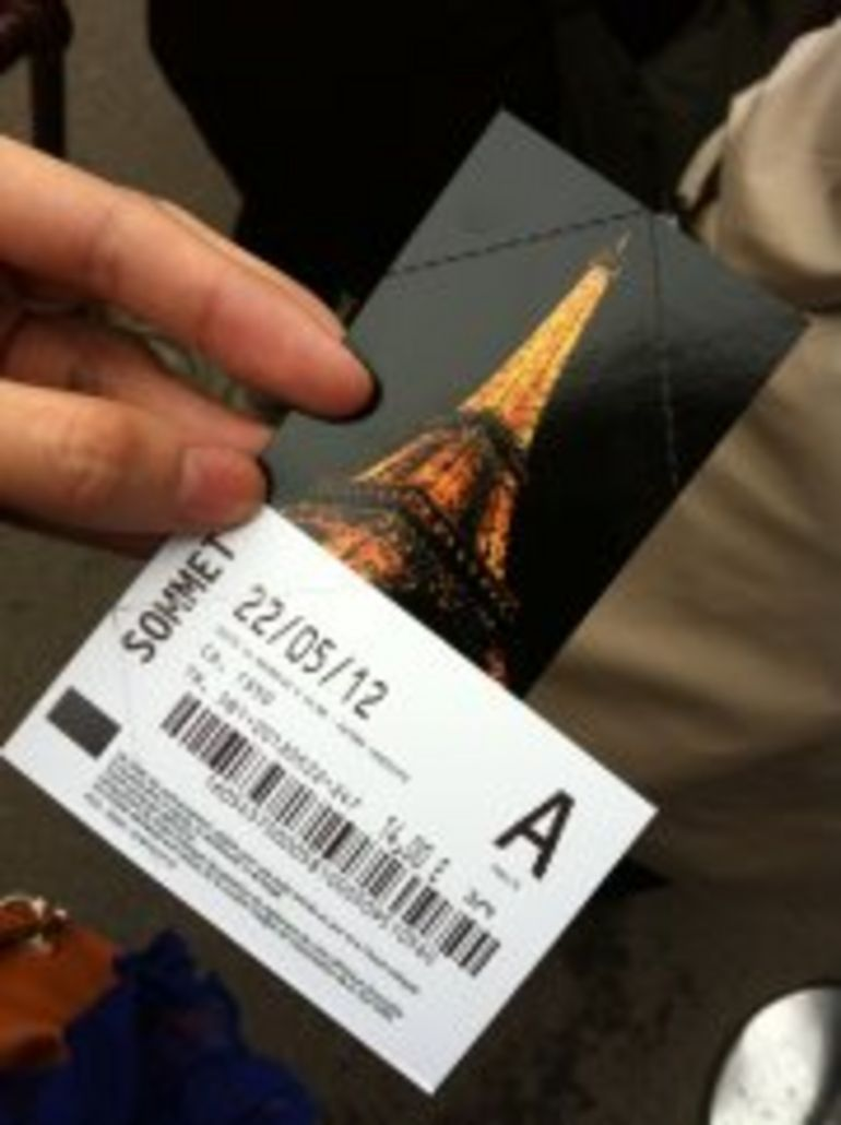 Tour de Eiffel Sommet Tickets :) - Paris