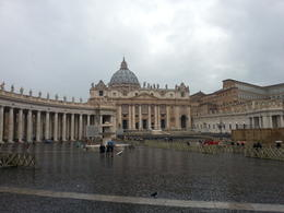 In front of st.Peter's Basilica , Tha Nen L - January 2015