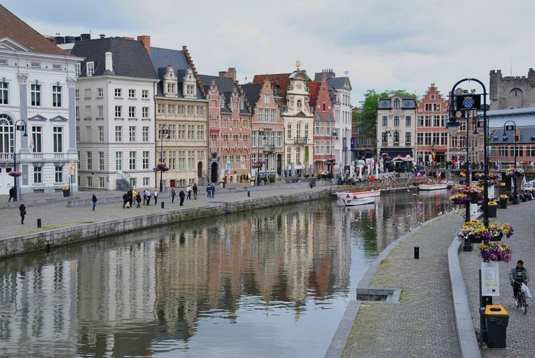 Beautiful buildings and river - Brussels