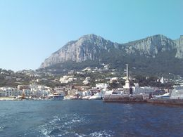 Leaving the harbor for Blue Grotto. - August 2008