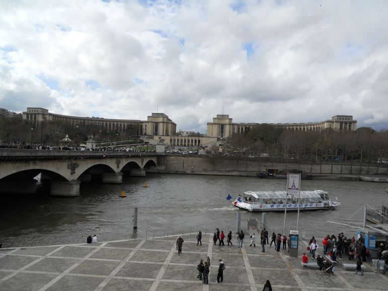 Cruise View - Paris
