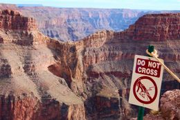 Photo de Las Vegas Grand Canyon : sortie parfaite tout compris en hélicoptère Looking towards Eagle Point (can you see the eagle formation?).