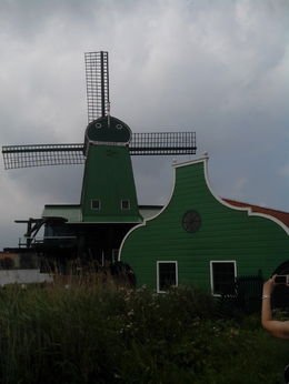 Photo of Amsterdam Zaanse Schans Windmills, Marken and Volendam Half-Day Trip from Amsterdam molino holandes