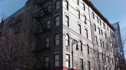 Photo de New York Visite New York TV and Movie Sites The Friends Apartment Building.