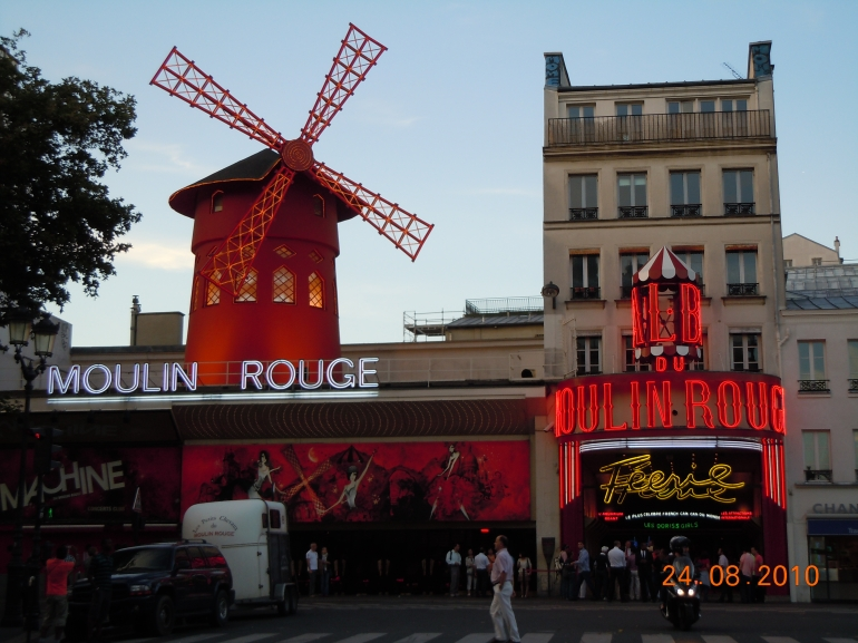 Moulin Rouge Paris - Paris