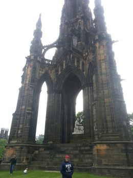 Photo of London Edinburgh Rail Day Trip from London Scotland Monument