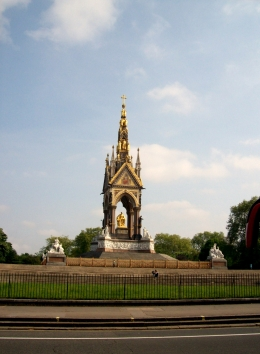 The memorial was painted black during WWII and stayed that way until a few years ago when it was cleaned up to show off its gold lilt., Thomas W - June 2010