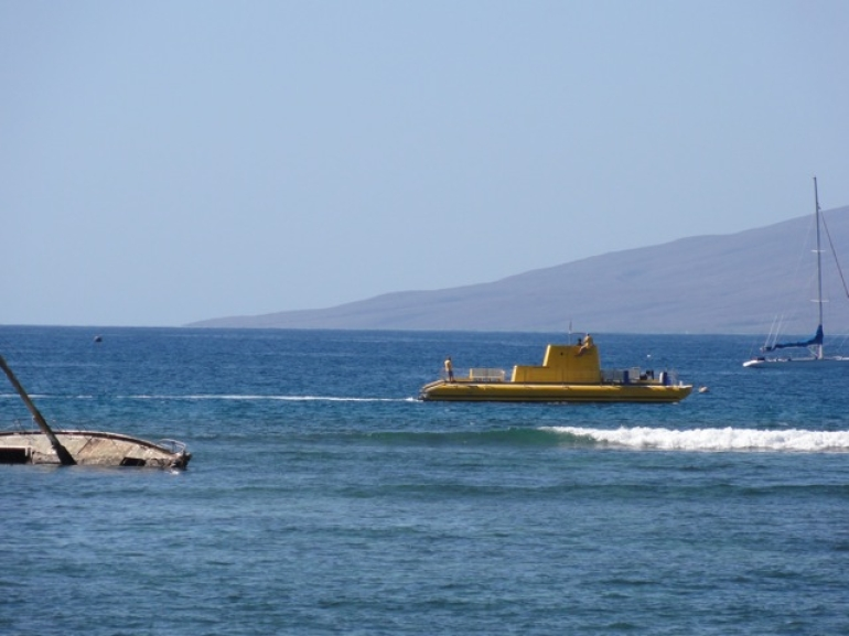 Submarine ride our of Lahaina - Maui