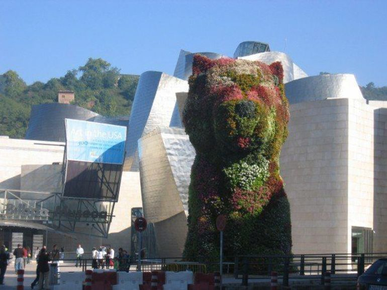 Flower Puppy outside of the Guggenheim - Bilbao