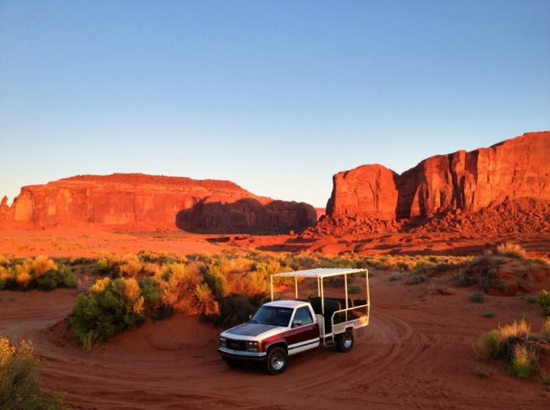 Jeep tour in Monument Valley - Las Vegas
