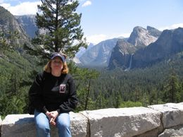 Photo of San Francisco Yosemite National Park and Giant Sequoias Trip Doreen in front of Mountain Range