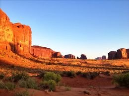 Great photo opportunities in Monument Valley, World Traveler - October 2012