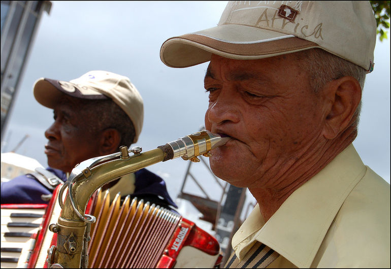 Mr. Pietersen & The Guys play jazz by the waterfront, Cape Town - Cape Town