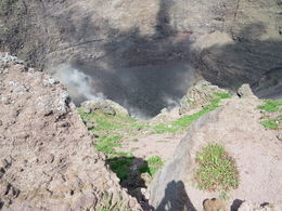 Inside Mt Vesuvius and smoking! , blobbydave - May 2014