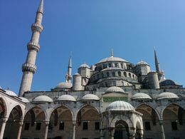 Photo of Istanbul Istanbul in One Day Sightseeing Tour: Topkapi Palace, Hagia Sophia, Blue Mosque, Grand Bazaar 2010.jpg