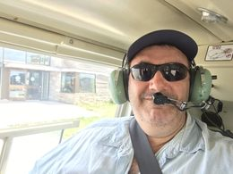 the ride is great and the pilot very knowledgeable , Carlos l - May 2016