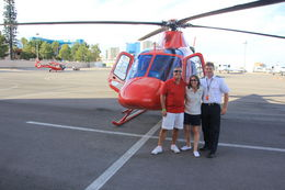 Foto de Las Vegas Gran Cañón: Tour en helicóptero y aventura en un rancho Jayne and Paul with our Pilot