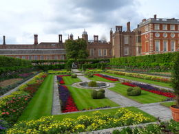 Photo of London Hampton Court Palace Bike Tour from London The stunning palace gardens