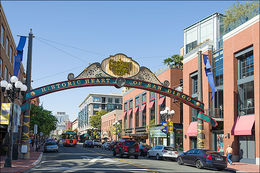 An afternoon stroll through the Gas Lamp District , Reno D - May 2013