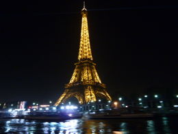 Photo of Paris Eiffel Tower, Paris Moulin Rouge Show and Seine River Cruise The Eiffel Tower from the Seine river cruise 25 Dec 2010