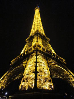 Photo of Paris Eiffel Tower, Seine River Cruise and Paris Illuminations Night Tour Eifelturm beleuchtet