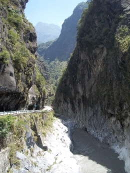 Photo of Taiwan Taroko Gorge Full-Day Tour from Taipei Gorge 2