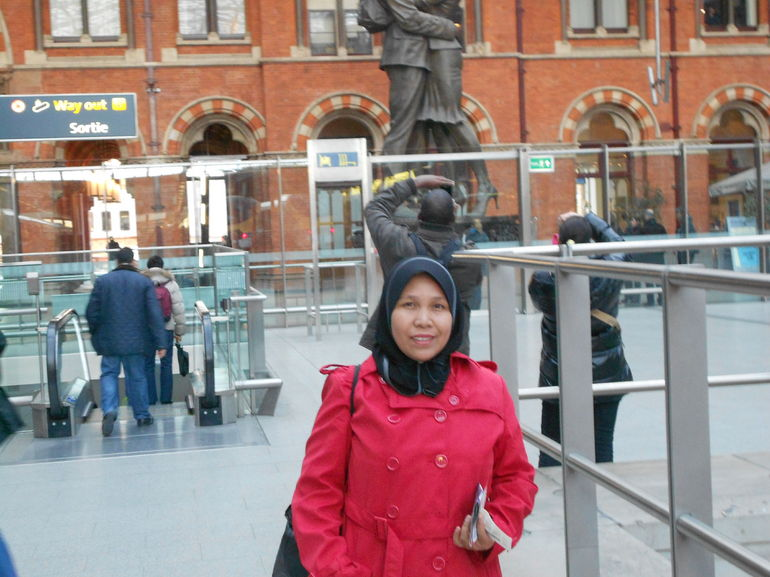 St Pancras International ~ - Paris