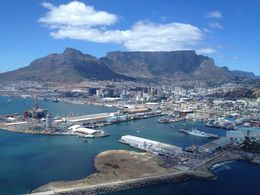 Photo of Cape Town Cape Town Helicopter Tour: Indian and Atlantic Oceans Table Mountain