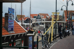Photo of Amsterdam Zaanse Schans Windmills, Marken and Volendam Half-Day Trip from Amsterdam Village of Volendam