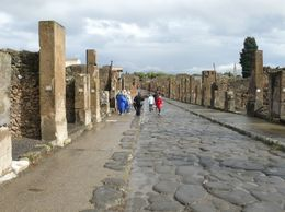 one of the main streets in Pompeii, Ronald K - November 2009