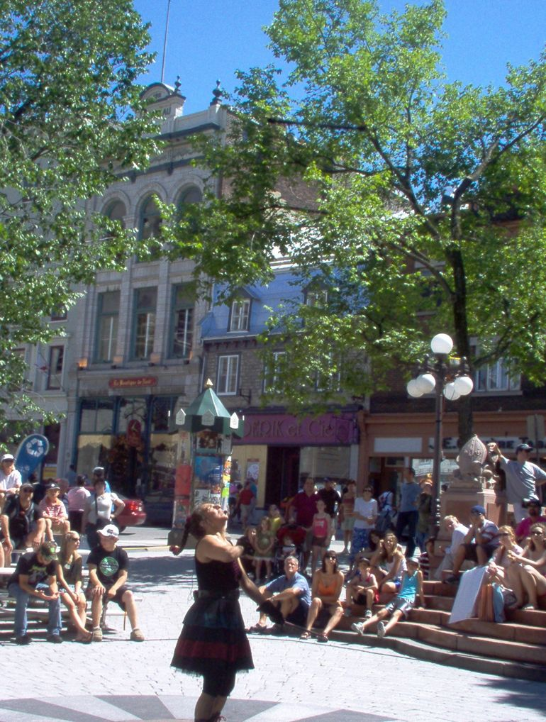 Street Performance in Quebec - Montreal